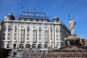 Fuente de Neptuno - Hotel Westin Palace